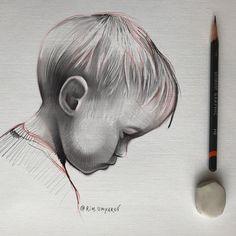 Довел портрет сына.. Намеренно не довожу до гиперреализма.. оставляю часть в состоянии наброска... так у рисунка сохраняется живой эффект…