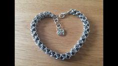 diy sieraden: chainmaille inverted round with beads bracelet / met kralen armband Chainmaille, Diy Jewelry, Jewelry Making, Beads And Wire, Round Beads, Wire Wrapping, Youtube, Beaded Bracelets, Wire Work
