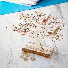 Der Baum mit Sockel - für Paare ist ein schöne Geschenkidee, um Geld auf individuelle Art an den Partner oder an Paare zu verschenken.