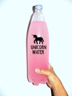 Los unicornios son la cosa más tierna de este mundo. Representan magia, felicidad, color e ilusión en las personas. Por eso no me sorprende que últimamente estén tan de moda. Aquí te dejamos estos objetos que vas a querer tener en este momento. 1- Increíble funda para el celular. 2. Es la cosita más tierna …
