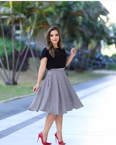 Fall fashion dresses in 2019 kıyafet, elbise modelleri, dikiş Long Skirt Outfits, Modest Outfits, Modest Fashion, Girl Fashion, Fashion Dresses, Cute Outfits, Womens Fashion, Fashion News, Frocks And Gowns