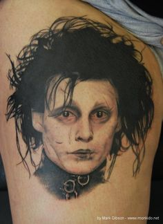 not a huge Ed Scissorhands fan, but this tattoo is amazing!  very detailed!!(by Mark Gibson at Monki Do Tattoo Studio, England)