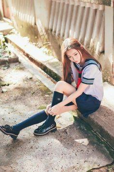 セーラー服が好き School Uniform Fashion, Japanese School Uniform, School Uniform Girls, Girls Uniforms, School Uniforms, Cute Asian Girls, Cute Girls, Schoolgirl Style, Korean Model