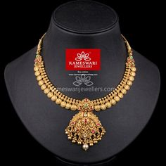 Gold Necklaces online for women, explore styles, find the necklace for you. Gold Necklace Simple, Necklace Set, Long Gold Necklaces, Beautiful Necklaces, Diamond Necklaces, Short Necklace, Diamond Jewellery, Gold Jewellery Design, Gold Jewelry