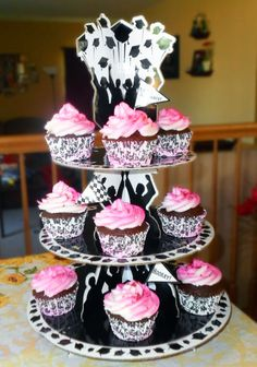 Make Grads Glad with Portable Treats. Invited to a graduation party this summer? Cupcakes are a great treat to share, and with Wilton products, you can decorate and serve ones that are definitely top of the class! Blog post.