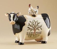 Cow Container, Cow Cookie Jar, Cow Kitchen at Simply Bovine. Cow Kitchen Decor, Cow Decor, Rooster Decor, Kitchen Items, Cow Cookies, Biscuit Cookies, Antique Cookie Jars, Antique Dishes, Pintura Country