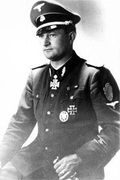 "SS-Sturmbannf. Karl Ulrich. Kdr. SS-Pi.Btl.3 ""Totenkopf"". RK. 19.2.1942. EL. (480) 14.5.1944."