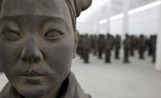 El ejército de hijas de terracota de Prune Nourry | ArtDiscover