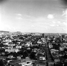 Bairro Funcionários    A imagem mostra em primeiro plano a esquina da Rua Cláudio Manoel com a Rua Professor Moraes. Ao fu...