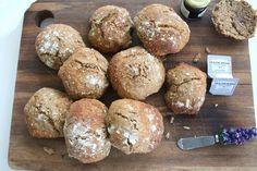 Chris og jeg var jo på MAD - Foodcamp, og der handlede det også meget om brød og om hvordan man bager et godt brød. F.eks. fortalte Nicolai...