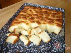 Dukatenbuchteln - a super dough Slovak Recipes, Czech Recipes, Czech Desserts, Best Pancake Recipe, Good Food, Yummy Food, Bread And Pastries, Food Humor, Sweet And Salty