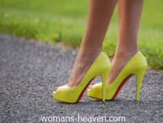 Yellow heels picture,heels,fashion, high heels, image, moda, photo, pic, pumps, shoes, stiletto, style, women shoes http://www.womans-heaven.com/yellow-heels-picture-5/
