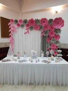 Mexican Party Decorations, Diy Birthday Decorations, Bridal Shower Decorations, Wedding Decorations, Tissue Paper Flowers, Paper Flower Backdrop, Gladiolus Arrangements, Ganapati Decoration, Butterfly Birthday Party