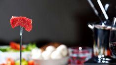 Accompagnements pour fondue Sauce A Fondue, Fondue Raclette, Raclette Party, Sauce Fondue Chinoise, Sauce Hoisin, Canadian Cuisine, Dips, Fondue Recipes, Tasty