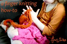 Finger Knitting - Who Knew. Lots of DIY projects for finger knitting. Finger Knitting Projects, Knitting For Kids, Crochet Projects, Sewing Projects, Free Knitting, Knitting Tutorials, Beginner Knitting, Kid Projects, Loom Knitting