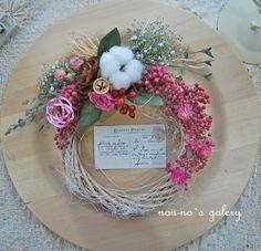 コットンベリー(クリスマス~お正月) Christmas Wreaths, Decoration, Flowers, Wreaths, Decor, Decorations, Decorating, Royal Icing Flowers, Flower