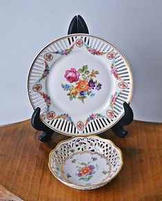 Small Flowers, Bavaria, Dresden, Makers Mark, Trinket Boxes, Cool Toys, Valentine Gifts, Tea Pots, Decorative Plates