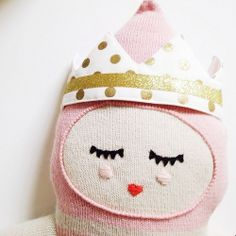 Perfect crown for Elodie from @tootsabellaMT (and it's reversible!)