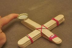 Crafts w/ Popsicle sticks Cute Diy Crafts, Vbs Crafts, Camping Crafts, Craft Stick Crafts, Crafts For Kids, Recycle Crafts, Craft Ideas, Fun Diy, Popsicle Stick Catapult