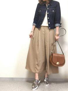 スカート×パンツ=スカンツ。もうゲットしましたか?スカーチョよりも長めの丈で、大人っぽい印象となる「スカンツ」は、大人女子の春コーデに必須間違いなしですよ。大人可愛い1週間着まわしコーデをご紹介します。