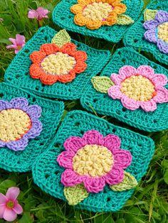 Crazy Daisy Blanket ~ crochet pattern coming soon... ༺✿ƬⱤღ http://www.pinterest.com/teretegui/✿༻
