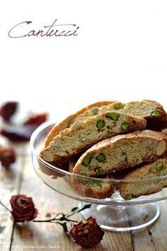 Pistachio and almond biscotti - Cantucci pistacchio e mandorle