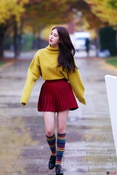 ioi, somi, and kpop image Jeon Somi, Kpop Fashion, Asian Fashion, Airport Fashion, Latest Fashion, Style Fashion, Fashion Tips, Korean Girl, Asian Girl