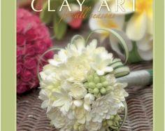 CLAYCRAFT par déco est une société innovante, séché à l'air modeler qui est léger, souple, facile à travailler et polyvalent. Il est idéal pour les projets de la plus simple pour les plus imaginatifs. Avec une infinité de possibilités de mélange des couleurs, il est parfait pour le travail de détail. Fini de créations ne sont pas seulement beau; ils sont légers, doux au toucher, mais exceptionnellement durable pour une vie de plaisir. CLAYCRAFT par déco est disponible en blanc, rouge…