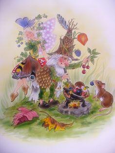 Wenn es wieder Herbst ist, dann sind viele Elfen, und andere Waldwesen sehr verkühlt. Aber keine Not, der Zwergendoktor braut ein gutes Kräutersüppchen, wobei ihm Manus Mäuschen dabei hilft.  Christl Vogl