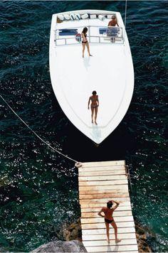 Speedboat Landing, 1973 Slim Aarons
