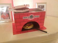 Surprise Pizza, Surprise Gifts, Surprise Ideas, Restaurant Themes, Diy Crafts To Do, Ideas Hogar, Valentine Box, Dramatic Play, Miniature Dolls
