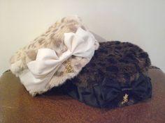 ふわふわのレオパード柄にリボンとロゴチャームをあしらった他には無いデザインのトーク帽です。防寒にもかわいさを取り入れて寒い冬も幸せ気分で過ごしましょう。/レオパードトーク帽(ALICE and the PIRATES)¥4,672- /ALICE and the PIRATES 金沢店 TEL:076-263-2439/Tatemachi Christmas Collection