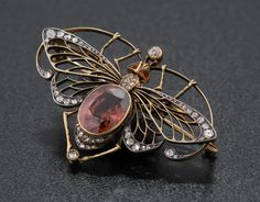 Insect Brooch, circa 1925. Gold, Diamond, Gem Stone. Private Collection. Image: Courtesy of the Shelburne Museum.