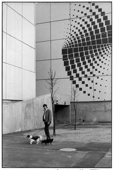 Region of Ile-de-France. The Essonne 'department'. Town of Grigny. Candid Photography, Street Photography, Photography Ideas, Henri Cartier Bresson Photos, Dream Pictures, French Photographers, Magnum Photos, Geometric Designs, Photojournalism