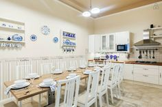 American kitchen with 12 dining seat