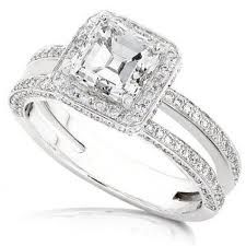 Not that I am getting engaged anytime but this is pretty. Tiffany Engagement ring – the great gatsby Diamond Engagement Rings, Dream Ring, Vintage Wedding, … Engagement Ring Pictures, Square Engagement Rings, Engagement Ring Buying Guide, Engagement Ring Cuts, Tiffany Engagement, Wedding Rings Vintage, Wedding Rings For Women, Vintage Engagement Rings, Vintage Rings