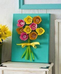 Blumen aus Eierkarton basteln - Anleitung-dekoking-com
