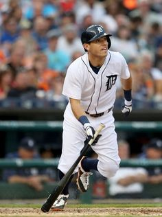 Detroit Tigers second baseman Ian Kinsler doubles during