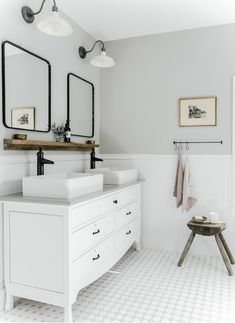 Timeless bathroom design by ¿Are you going for timeless or modern style? Gray Bathroom Walls, Light Grey Bathrooms, White Bathroom Paint, Neutral Bathroom Colors, Master Bathroom, Small Bathroom Paint Colors, Family Bathroom, Light Grey Paint Colors, Best Gray Paint Color