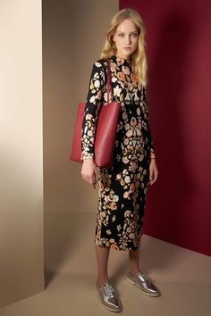 http://www.vogue.com/fashion-shows/pre-fall-2017/leonard/slideshow/collection