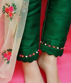 Fancy Dress Design, Stylish Dress Designs, New Suit Design, Sleeves Designs For Dresses, Dress Neck Designs, Moda Hipster, Kurta With Pants, Kurti Pants, Trouser Pants