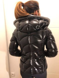 Cool Jackets, Jackets For Women, Nylons, Women's Puffer Coats, Down Winter Coats, Vinyl Clothing, Leather Jacket Outfits, Puffy Jacket, Bomber Jacket Men