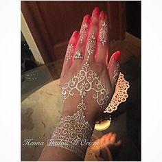 💎White Henna 💎😍😍😍 #mehendi #henné #girls #art #henna #hennadadoudorient #artbody #beauty #bijoux #marseille #weeding…