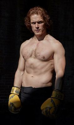 A continually updating collection of pictures of Sam Heughan. (including attributions, where possible) July EW party during San Diego Comicon, pictures via LA Times July taken du… Sam Heughan Outlander, Sam Heughan Actor, Outlander Tv Series, Sam Hueghan, Sam And Cait, Jamie Fraser, Jamie And Claire, Caitriona Balfe, Poses