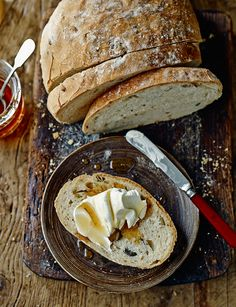 A light and fresh multi-seed loaf. Great served as it is or with different spreads.
