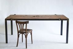 Reclaimed wood furniture by Manoteca | Recyclart