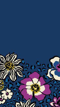 Étiquette bleue aux grosses fleurs.