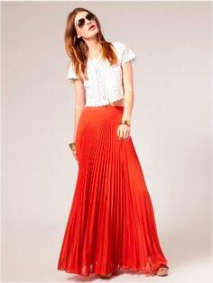 Красная юбка, белый верх