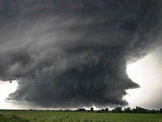 Tornadic Cloud revs up in Chickasha, Oklahoma