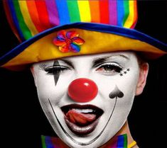 be a clown! be a clown! Gruseliger Clown, Clown Faces, Circus Clown, Creepy Clown, Clown Costumes, Circus Acts, Art Du Cirque, Mime, Pierrot Clown